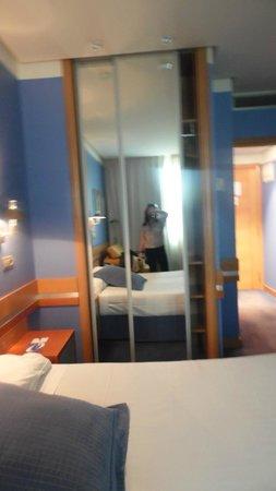 Hotel Torresport: quarto