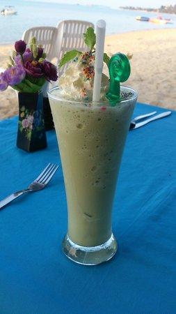 ZENZIBAR Beach Bar & Restaurant: Greentea shake !