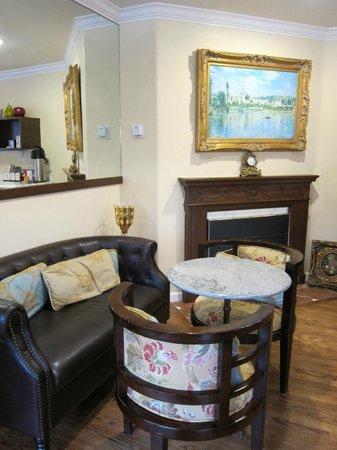 Vendange Carmel Inn & Suites: Charming b&b