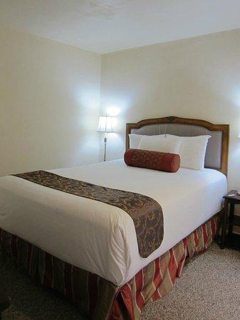 Vendange Carmel Inn & Suites: Room 11