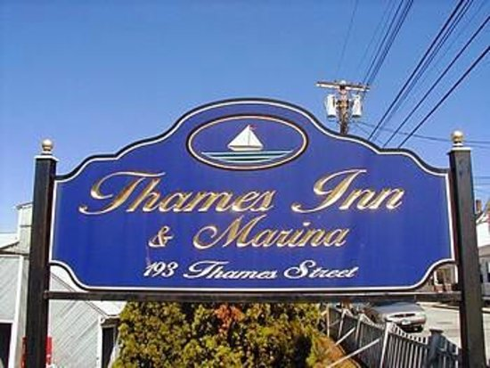 Thames Inn and Marina: Sign from street