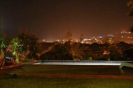 Bossa Nova : La pileta y a vista de noche