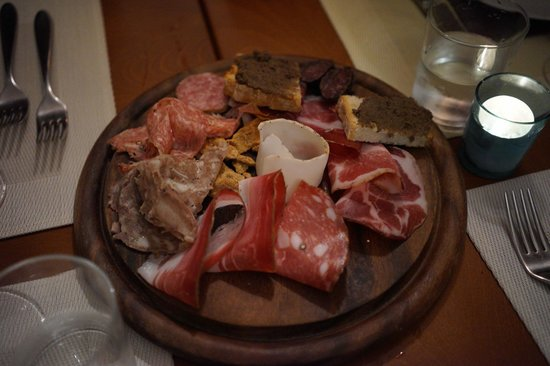 Club Culinario Toscano da Osvaldo : Assortment of tuscan meat