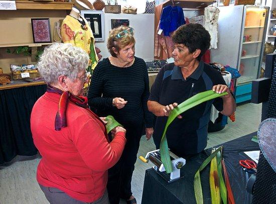 Absolute de Tours: Rhonda demonstrating flax weaving