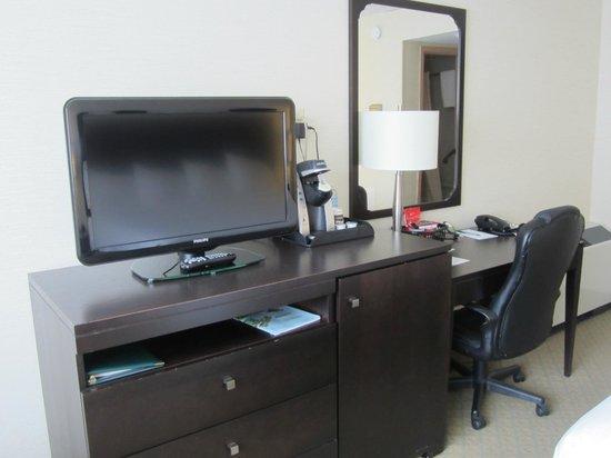 Greenwood Inn & Suites: In room amenities