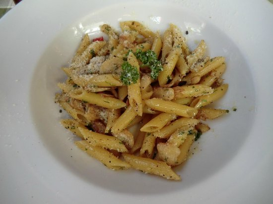 Basilico Pizzeria Soi 33: Olive Oil, Garlic and Chilis w/Penne