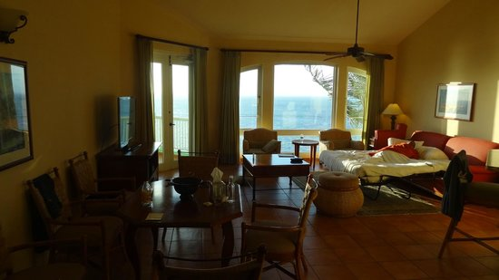 Las Casitas Village, A Waldorf Astoria Resort: Living Room with Sofa Bed