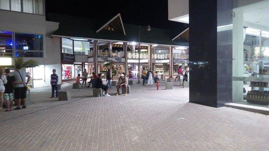 Decameron Aquarium : Downtown by night
