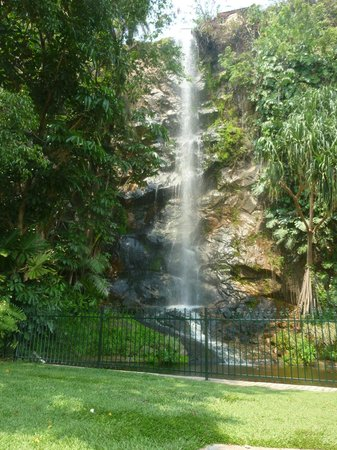 The Strand: Waterfall on Townsville's Strand.