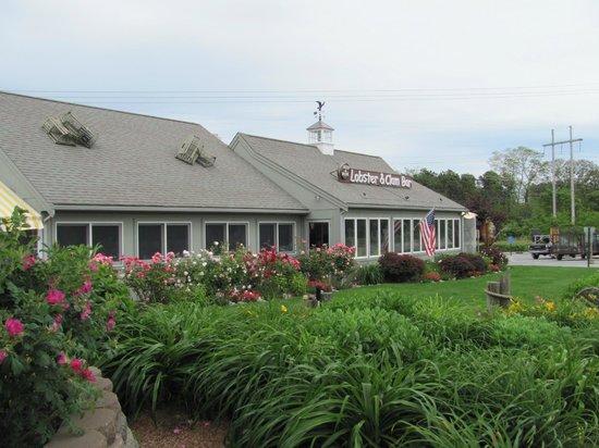 Arnold's Restaurant: pretty as a postcard