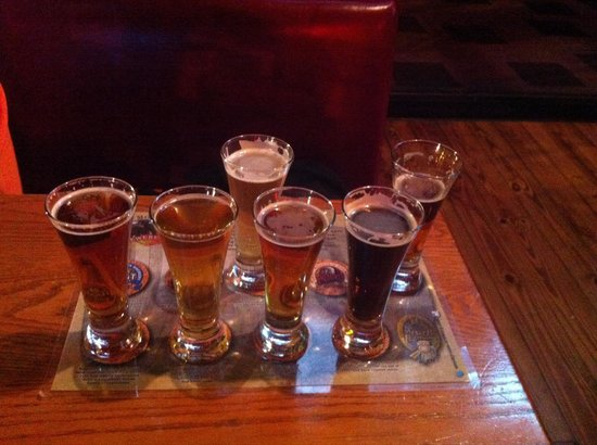 Smoky Mountain Brewery: A very nice flight! & priced low...great beers.