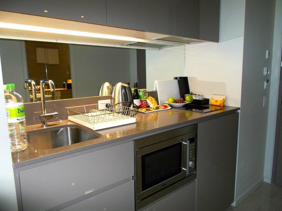 Fraser Suites Perth: Kitchen