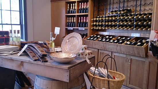 Trius Winery: Retail