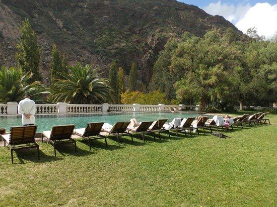 Hotel & Spa Termas Cacheuta: Una de las Pileta del Hotel