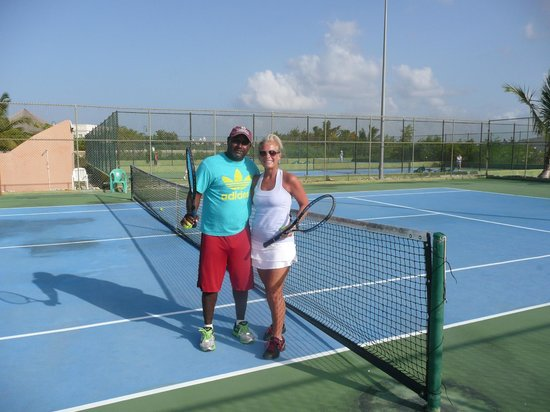 Majestic Colonial Punta Cana : Tennis Pro is fantastic!  Highly recommend him.