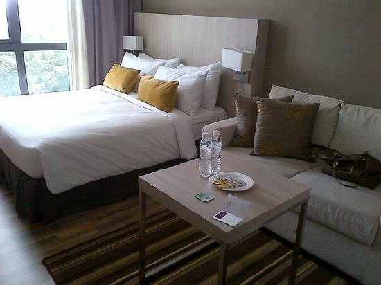 Citadines Uplands Kuching: there are sofa for 2