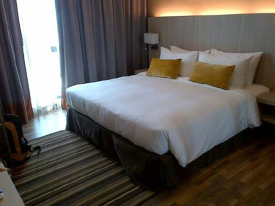 Citadines Uplands Kuching: this is master bedroom with king size bed