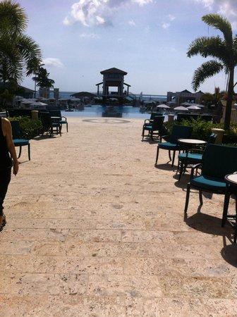 Sandals Emerald Bay Golf, Tennis and Spa Resort : piscina