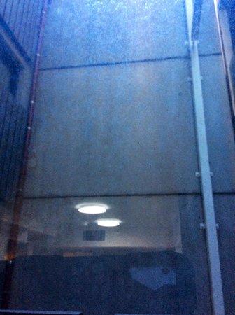 Fraser Place Melbourne: Dark and oppressive.