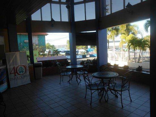 Parador Boquemar: Lobby Area