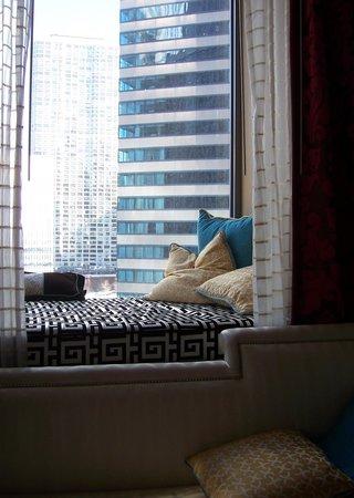 Kimpton Hotel Monaco Chicago: cute room cubby