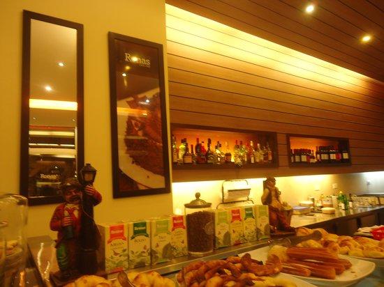 Salles Hotel : desayuno
