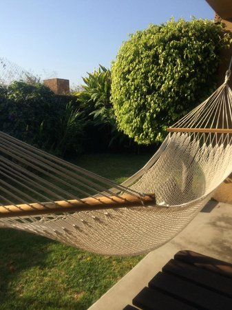 Madretierra: Una rica hamaca en la terraza de la habitación