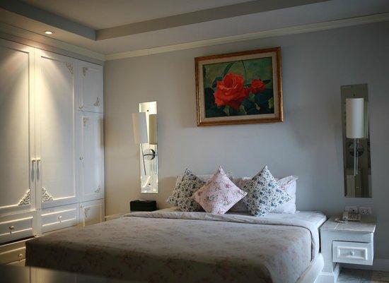 At Pingnakorn Hotel Chiangmai: Bedroom
