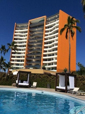 Sunset Plaza Beach Resort & Spa : View from the adult pool