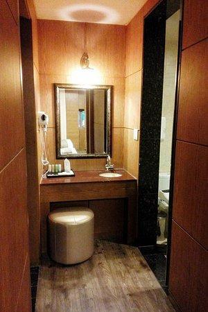 Polaris Hotel : Dressing area