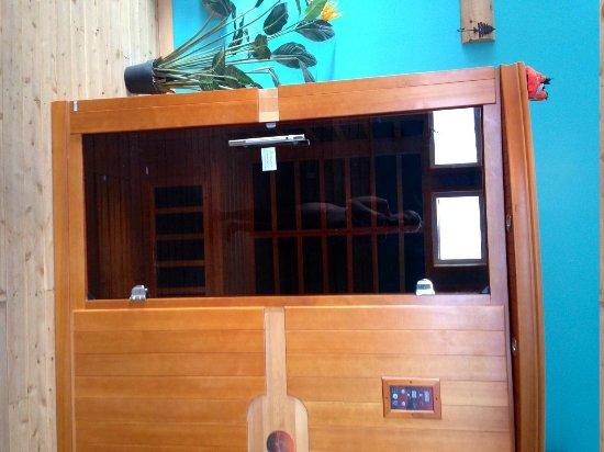 Village Scandinave: The Dry Sauna