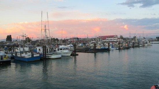 Steveston Heritage Fishing Village: An evening sunset stroll