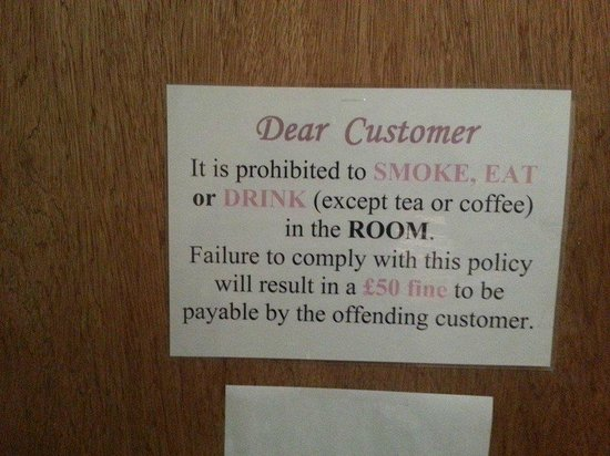 Acorn Lodge Gatwick : Don't eat or drink in your room!