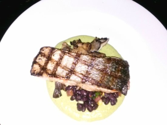 Dos Caminos Meatpacking: Salmon in Avocado Pipian-yummy!