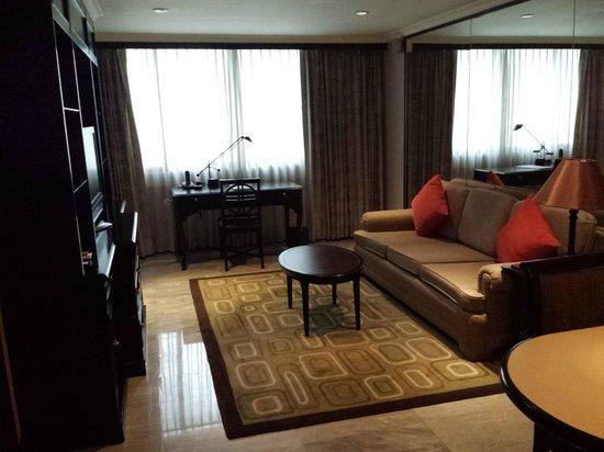 Grand President: Living room