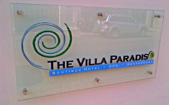 The Villa Paradiso: Sign