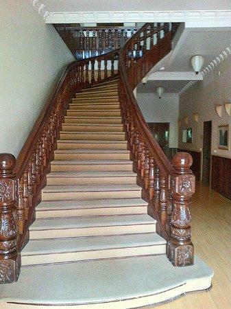 The Villa Paradiso: Grand Stairway