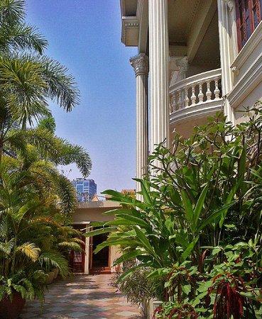 The Villa Paradiso: Hotel