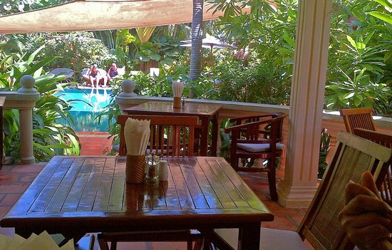 The Villa Paradiso: Restaurant