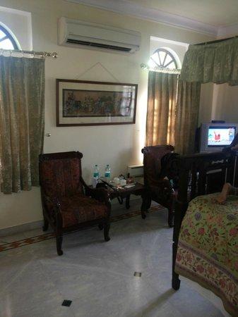 Hotel Madhuban : Room