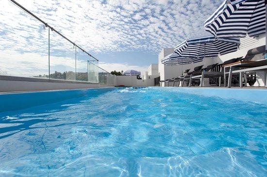 The Blue Pearl Kata Hotel : Swimming pool / Бассейн