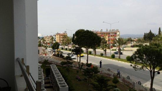 Side Prenses Resort Hotel & Spa: Blick vom Balkon zur Landseite