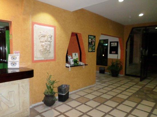 Hotel Maya Tulipanes Palenque: MB