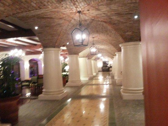 Los Suenos Marriott Ocean & Golf Resort: Salones en el vestibulo