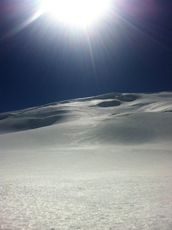 Glacier Helicopters: Snow landing
