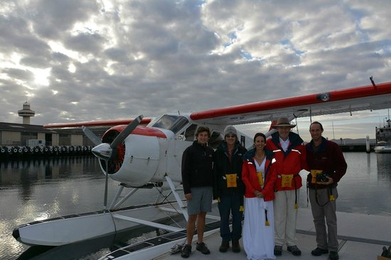 Tasmanian Air Adventures Day Tours: Pilot and Passengers