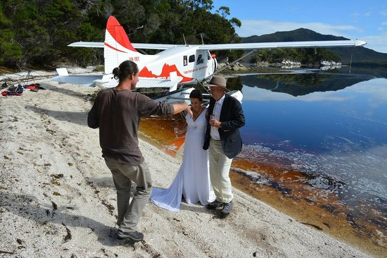 Tasmanian Air Adventures Day Tours: Wedding Photos on Celery Top Island, Bathurst Habour