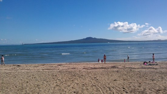 Rangitoto Island : viewed from Mission Bay