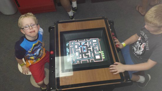 GameRoom Essentials: You can never go wrong with Pacman