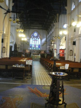 St. John's Cathedral: 内部